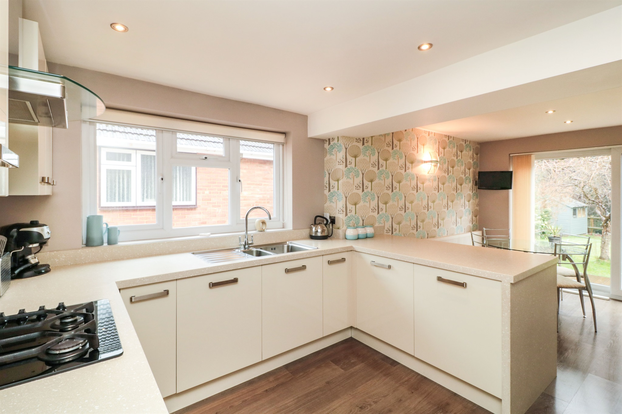 4 bedroom property for sale in Brookside Crescent, Cuffley, Potters ...