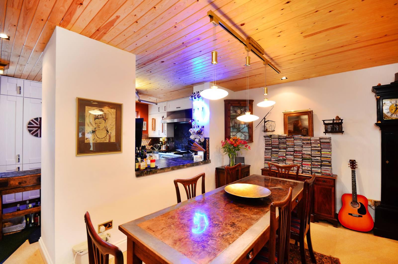 Chiswick Quay,Dining room