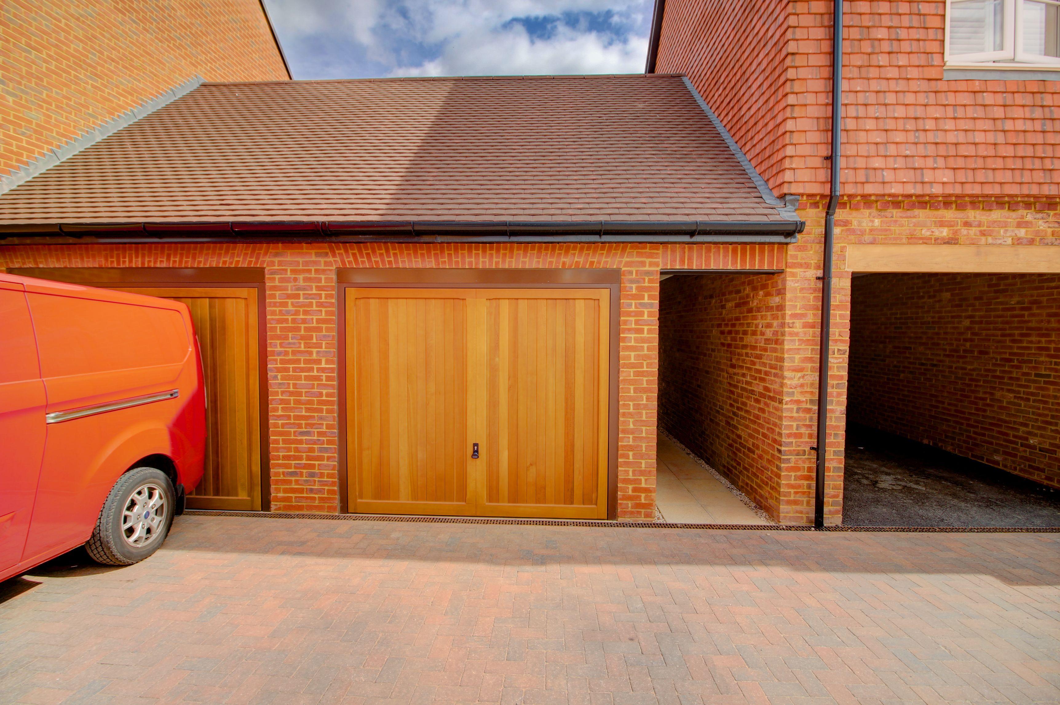 Woodhurst Park,Berkeley Homes,Drive,Parking,Garage