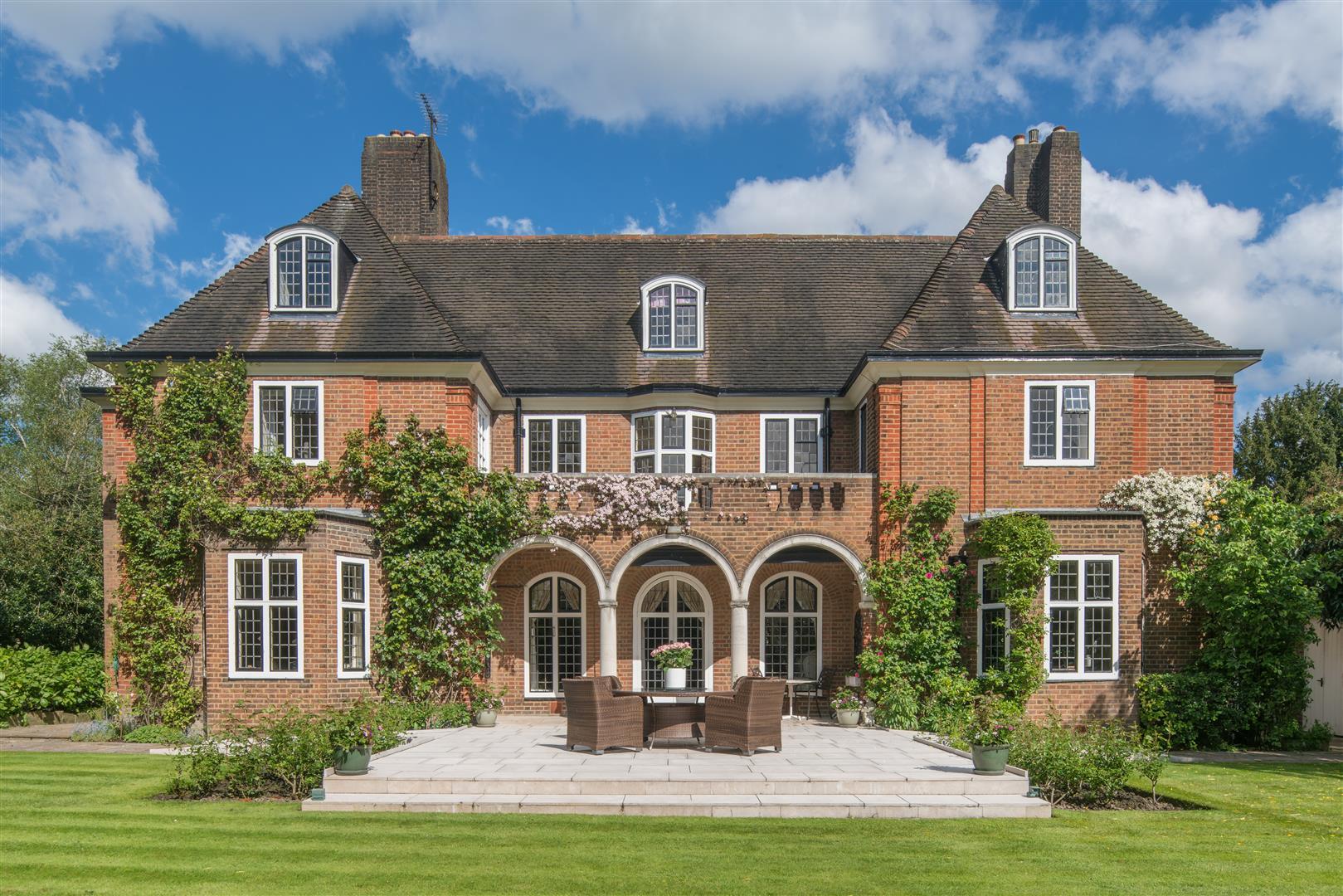 Photos Of Hampstead Garden Suburb London Nw11 43882949