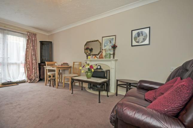 Bedroom Property In Newman Street London