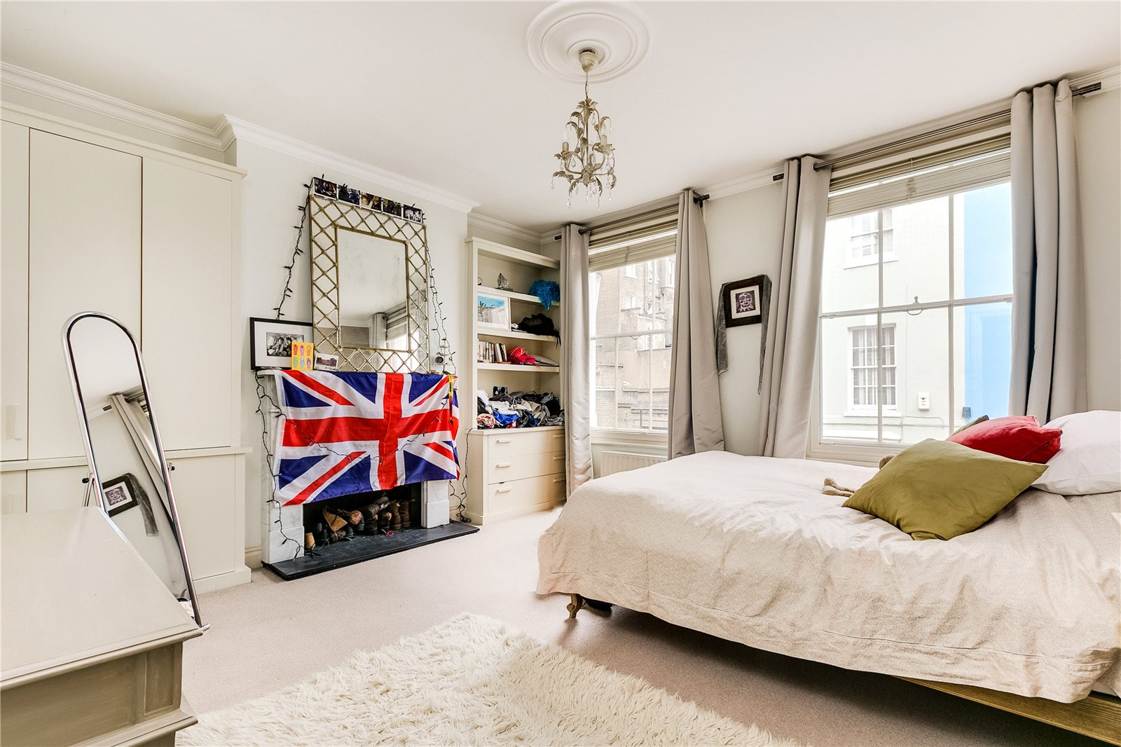 3 bedroom mews for sale in child 39 s place earls court sw5 for Kitchen 482 kensington