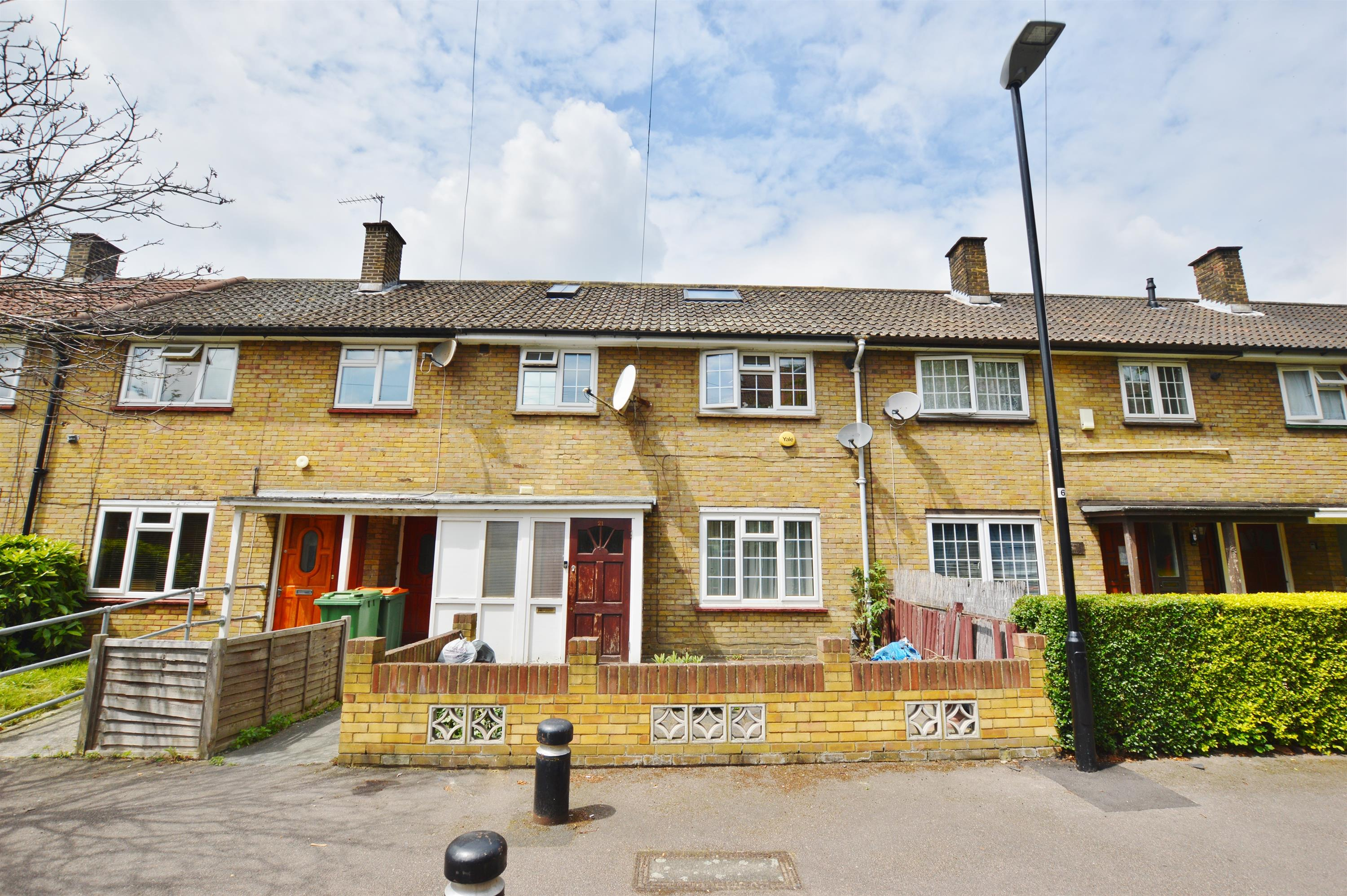 4 Bedroom Terraced House For Sale In Kennedy Close