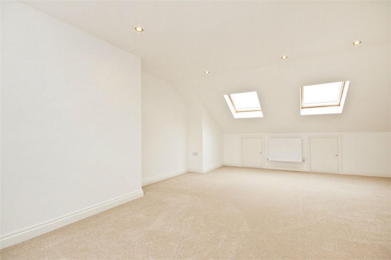3 Bedroom Flat For Sale In Bollo Bridge Road W3 London