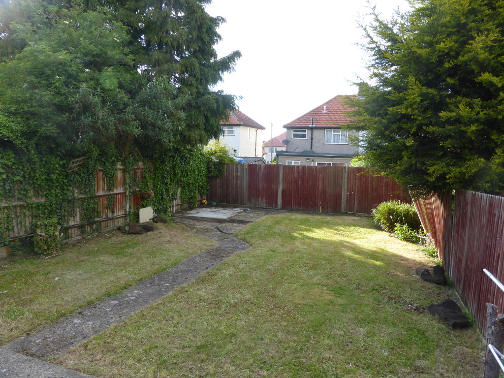 4 Bedroom Semi Detached House For Sale In Shaxton Crescent