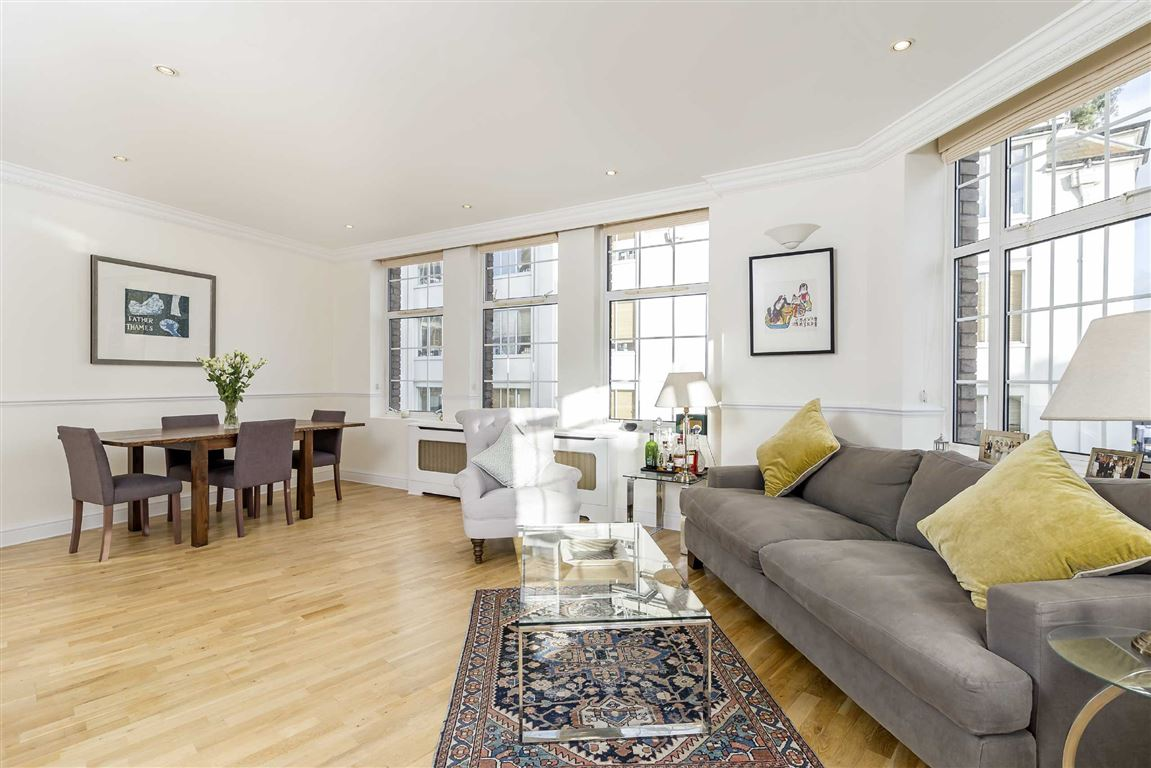 2 Bedroom Flat For Sale In Warren Street W1t London
