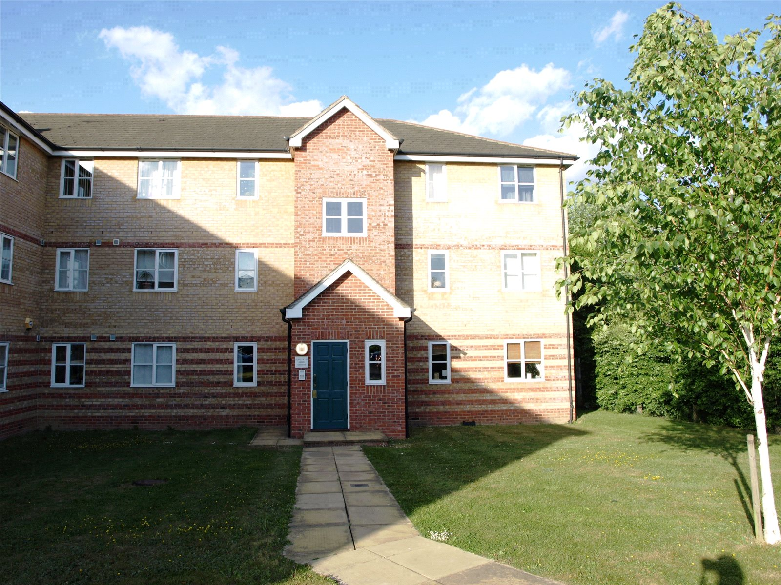 2 Bedroom Flat For Sale In Simms Gardens East Finchley
