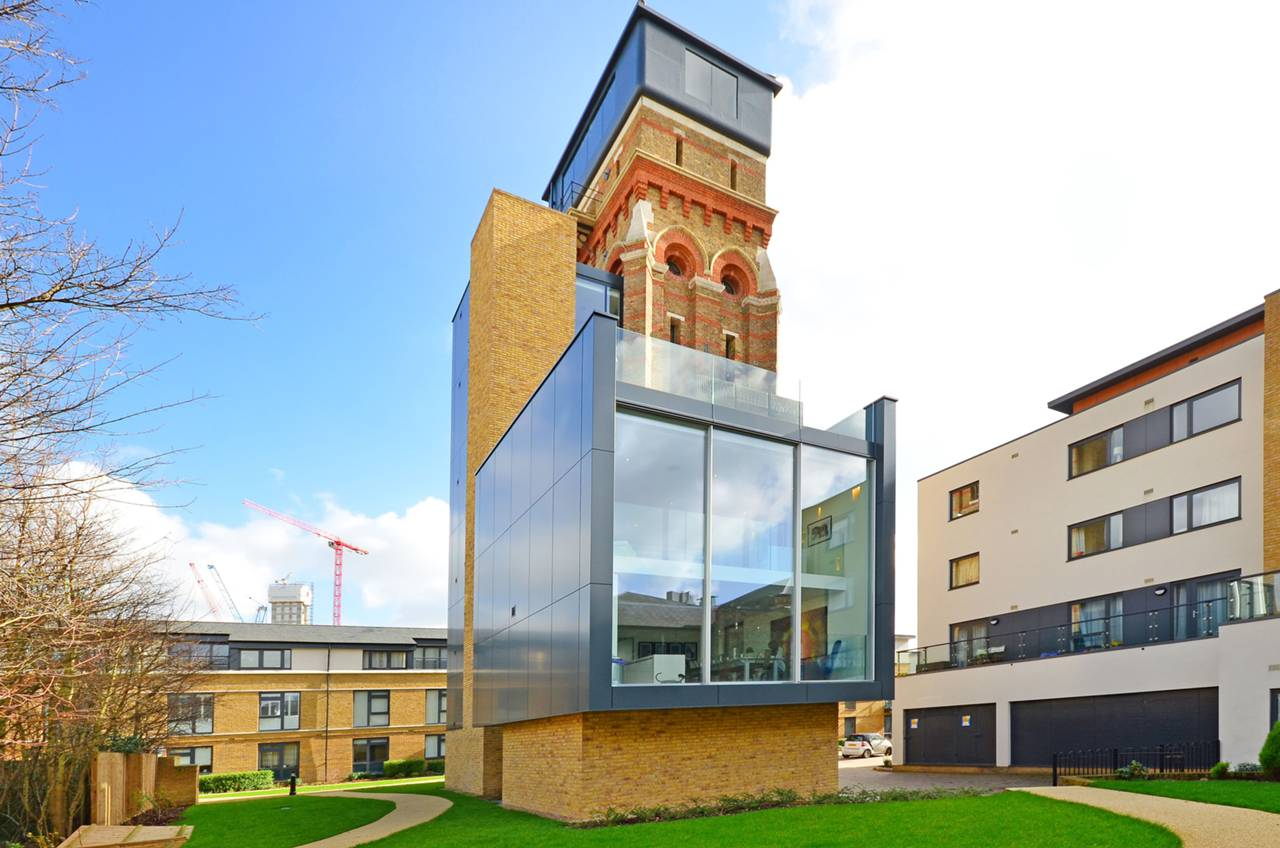 Top 10 grand designs houses zoopla for Top ten home builders
