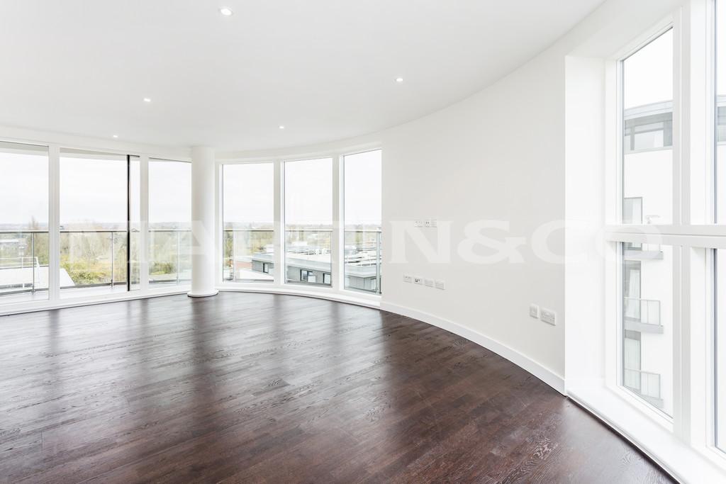 3 Bedroom Flat For Sale In Kew Bridge Road Brentford TW8 London
