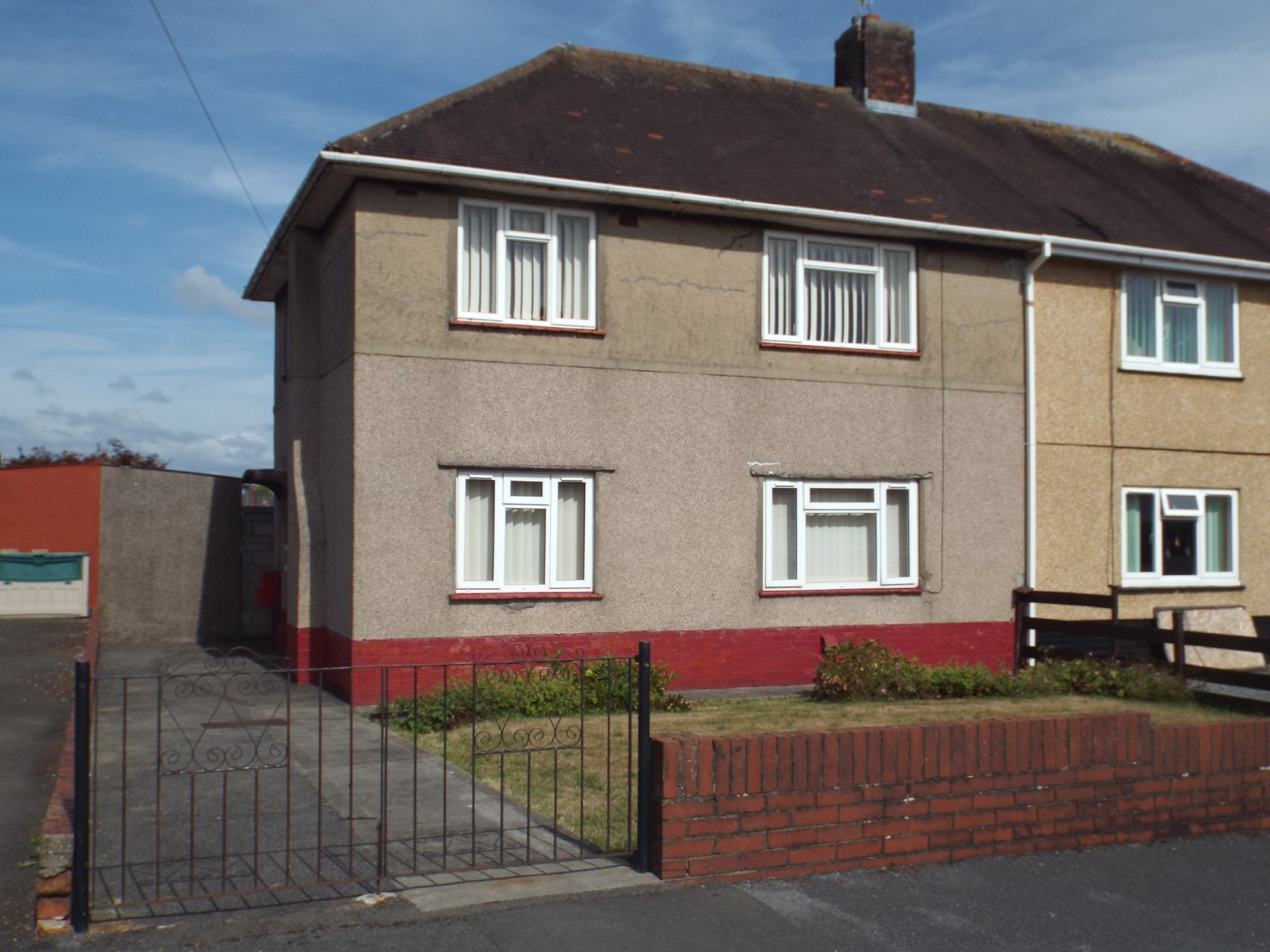 Amanwy, Llanelli Sa14, 3 Bedroom Semi Detached House For Sale