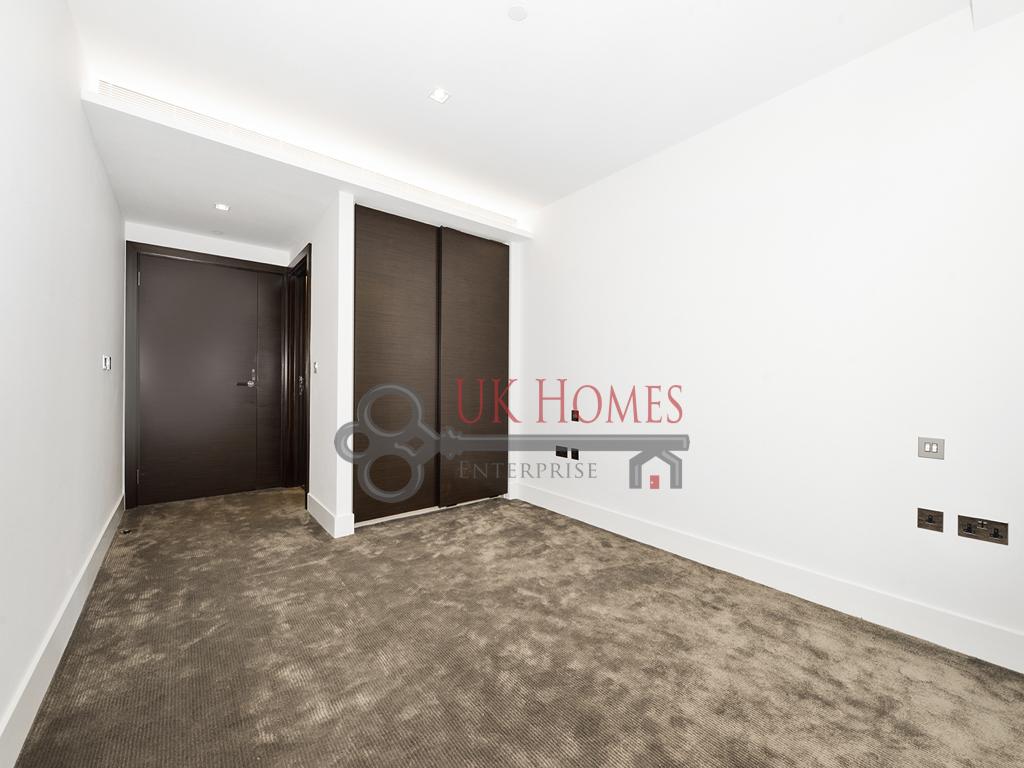 3 Bedroom Flat For Sale In The Corniche, Albert Embankment, SE1 , London