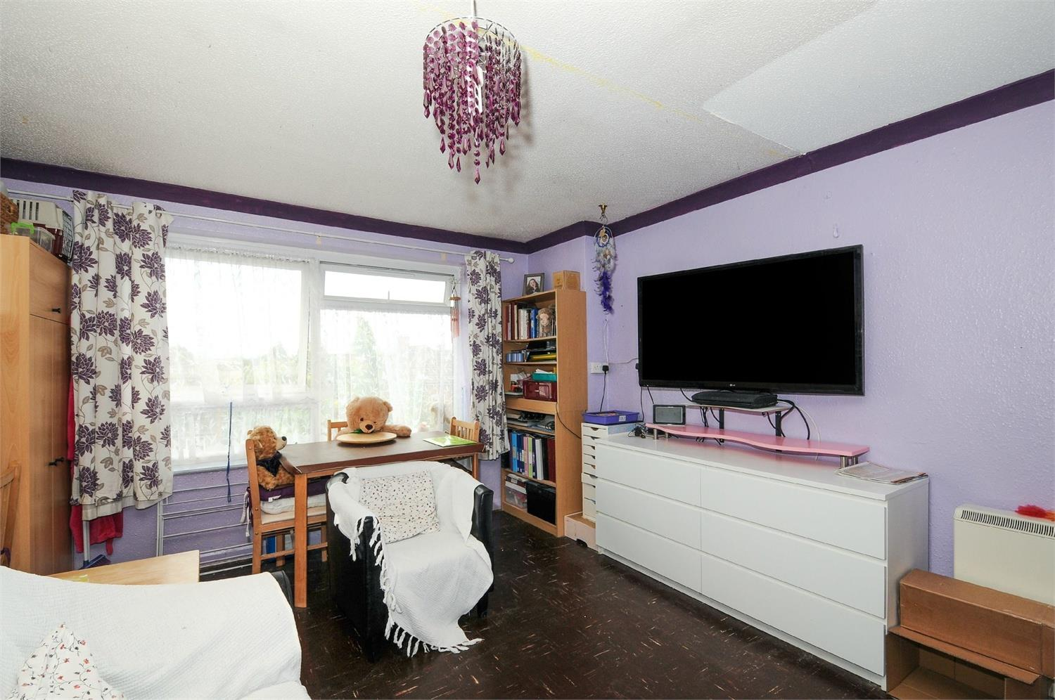 1 Bedroom Flat For Sale In Molesey Avenue West Molesey Kt8 London