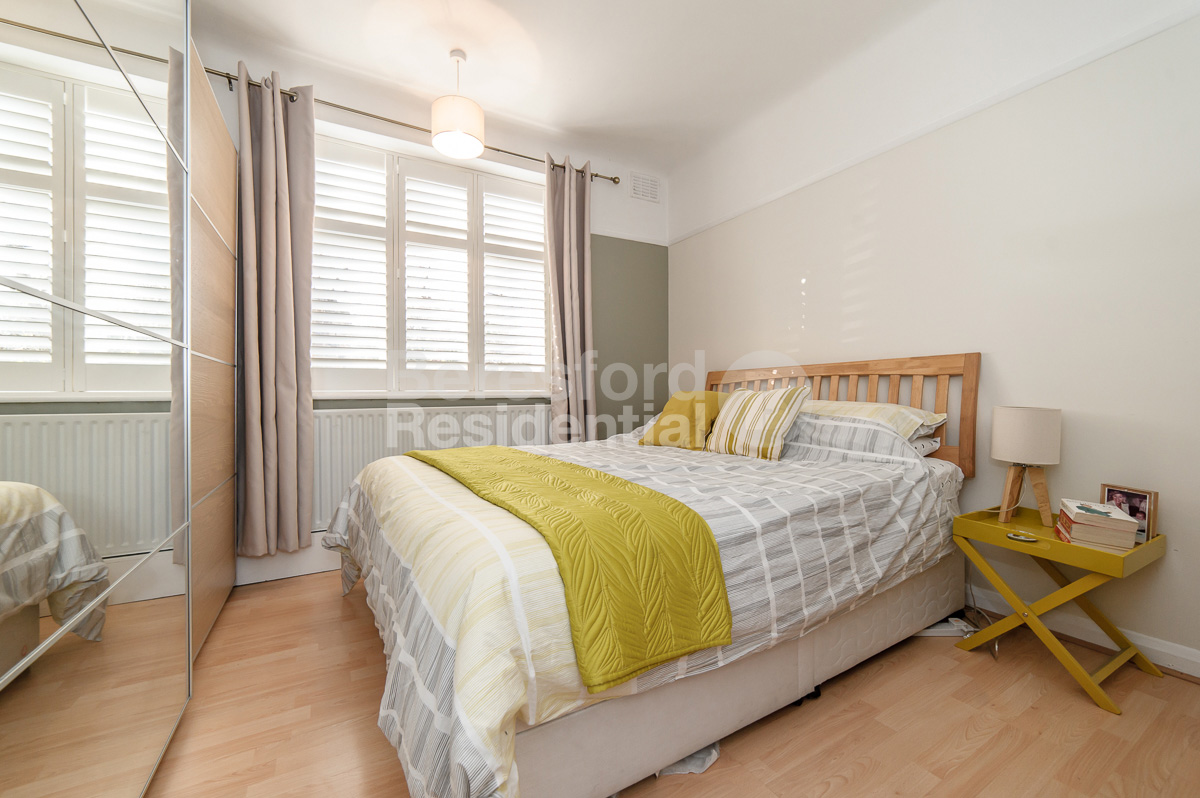 2 Bedroom Flat For Sale In Clive Court Babington Road Streatham Sw16 London