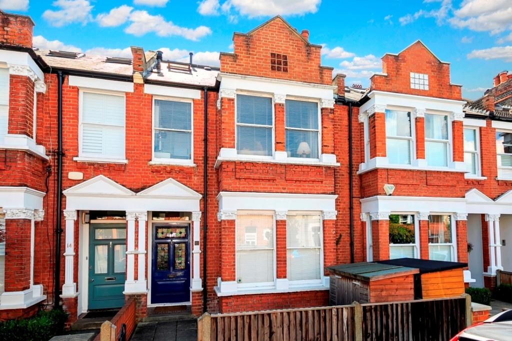 2 Bedroom Flat For Sale In Beaumont Avenue Kew Richmond Tw9 London