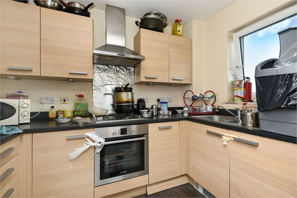 2 Bedroom Flat For Sale In Aurora Court Fortune Avenue Middlesex Ha8 London