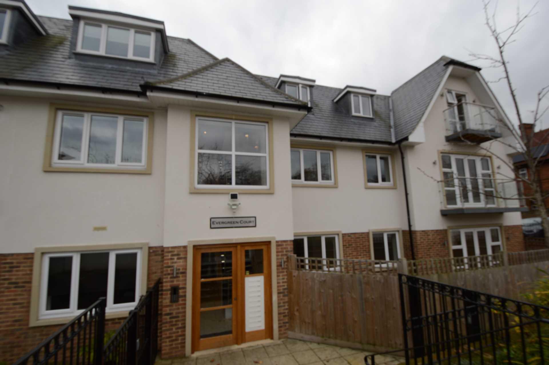 2 Bedroom Flat For Sale In Amberden Avenue N3 London