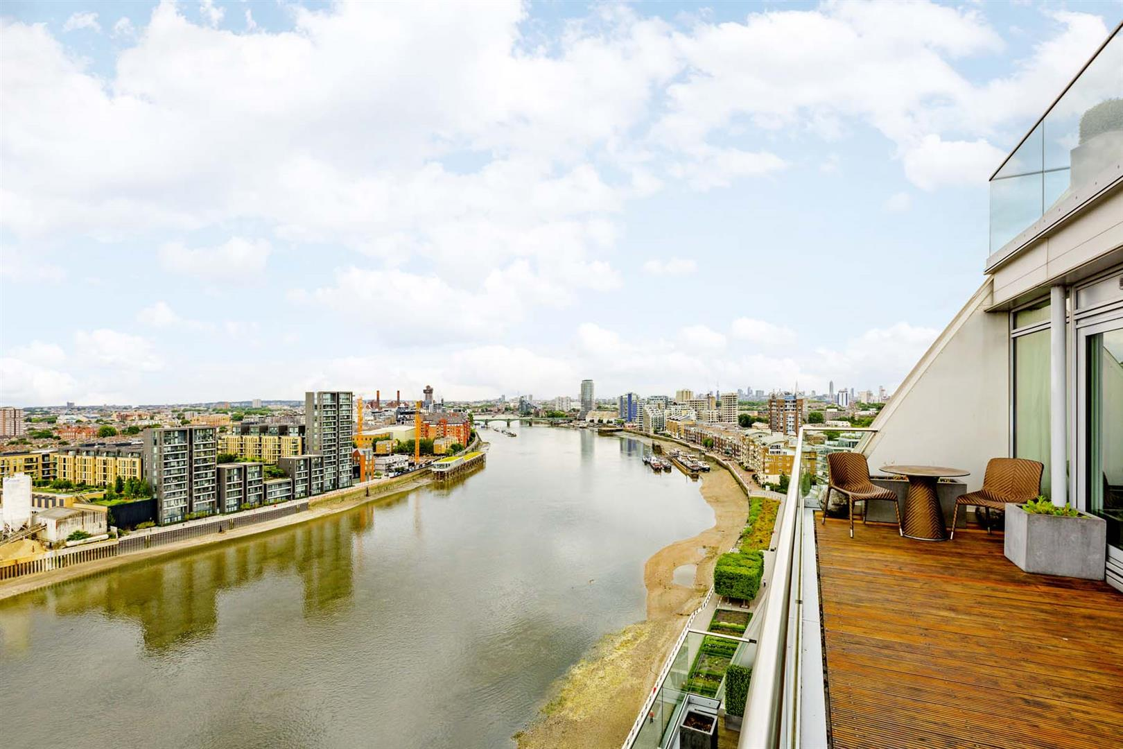 Price Information for 2-Bed Flat For Sale In Battersea ...