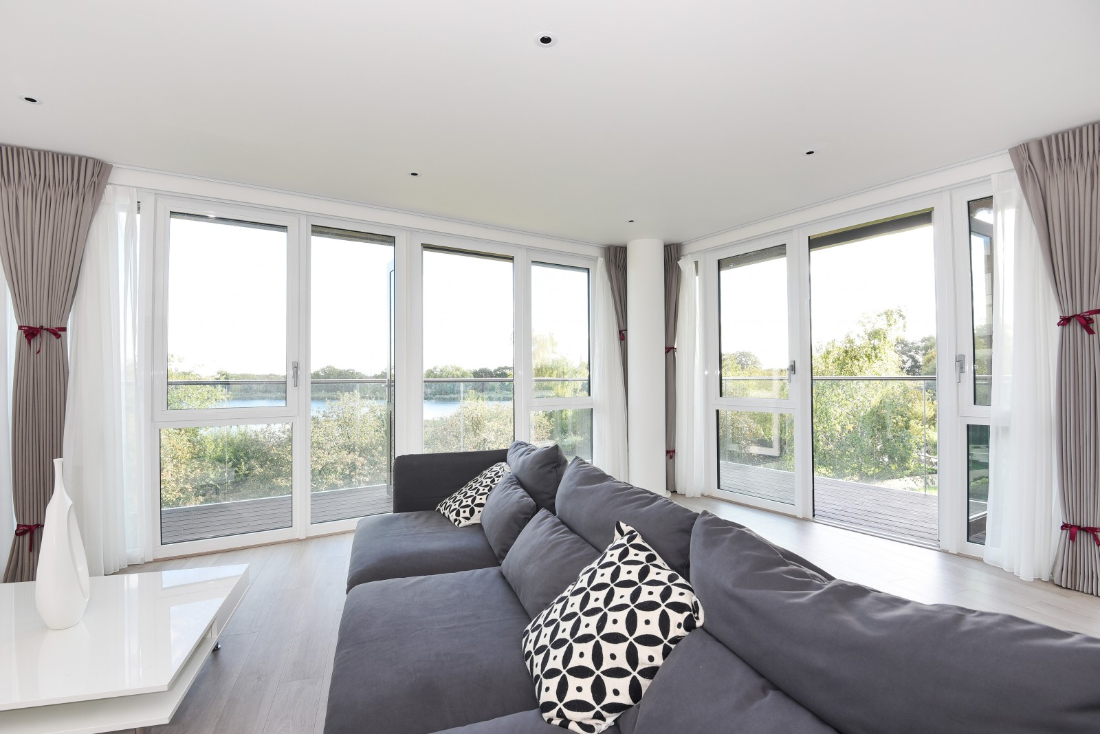 3 Bedroom Flat To Rent In Rivulet Apartments Woodberry Down N4 London
