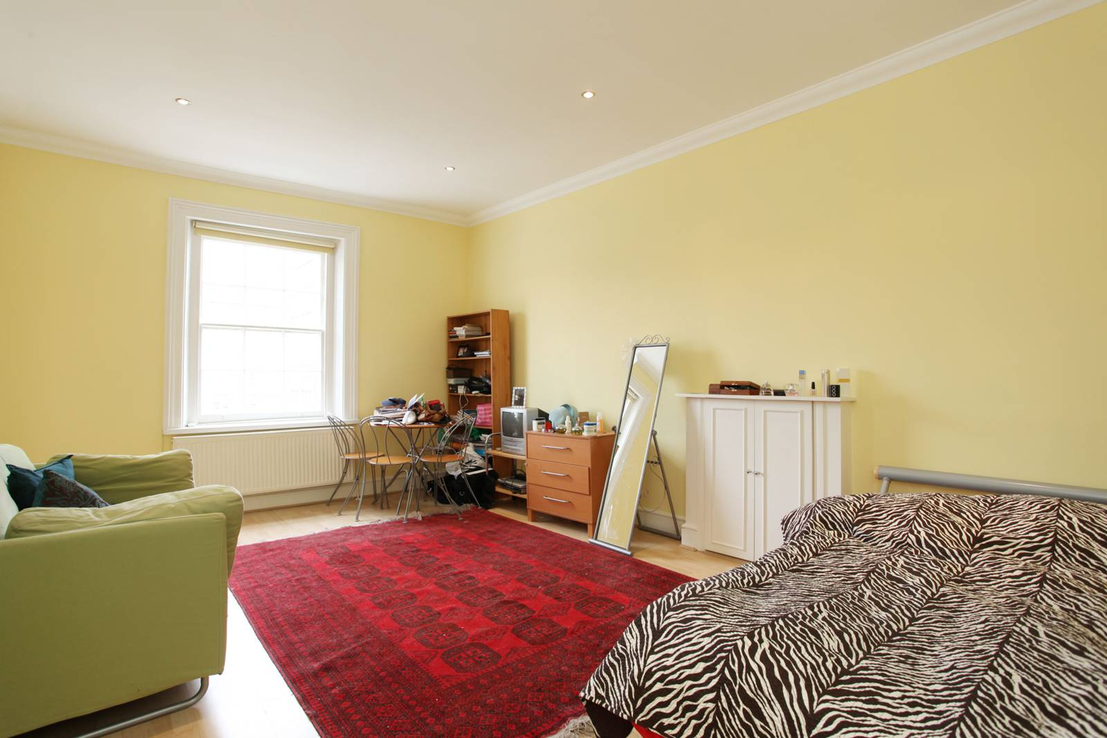 Studio flat to rent in westbourne terrace bayswater w2 for 2 4 6 inverness terrace bayswater london england