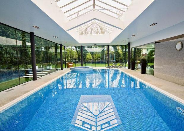 Indoor pool einfamilienhaus  Top 10 indoor swimming pools - Zoopla