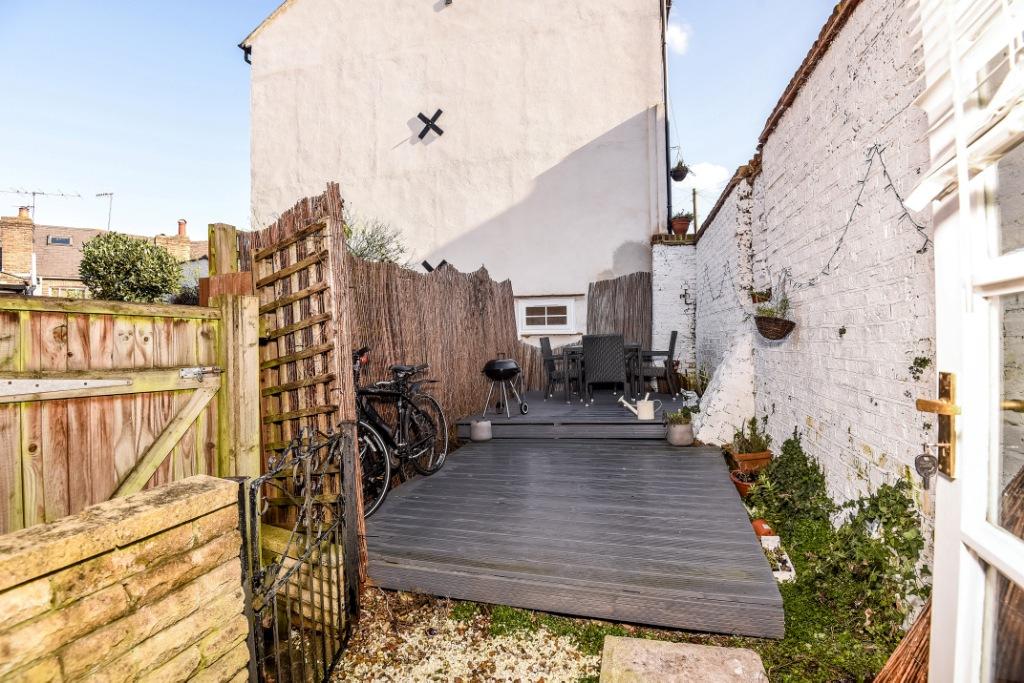 2 bedroom end of terrace for sale in wellington terrace for 16 the terrace wellington