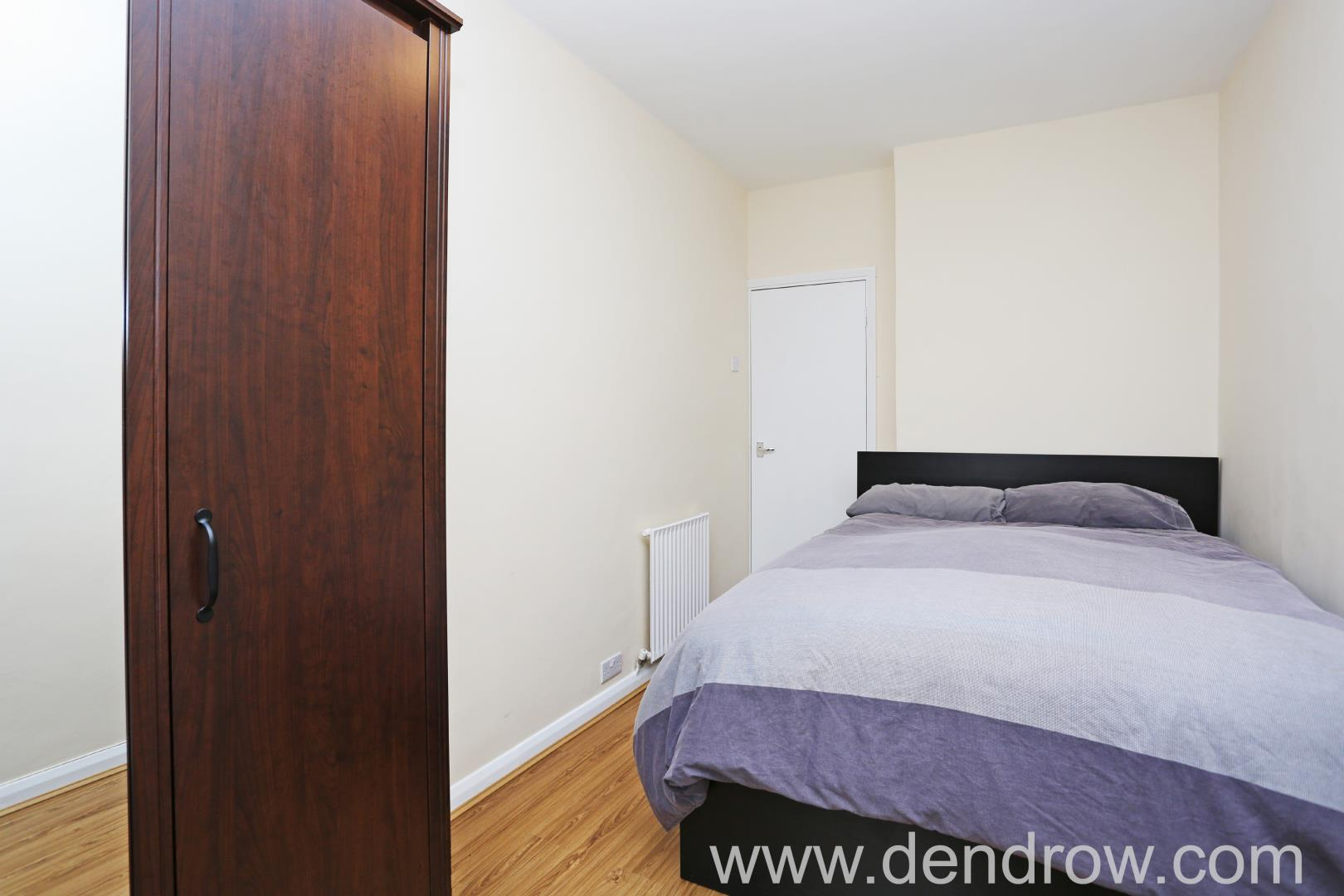 bedroom flat to rent in martlett court wc2b london