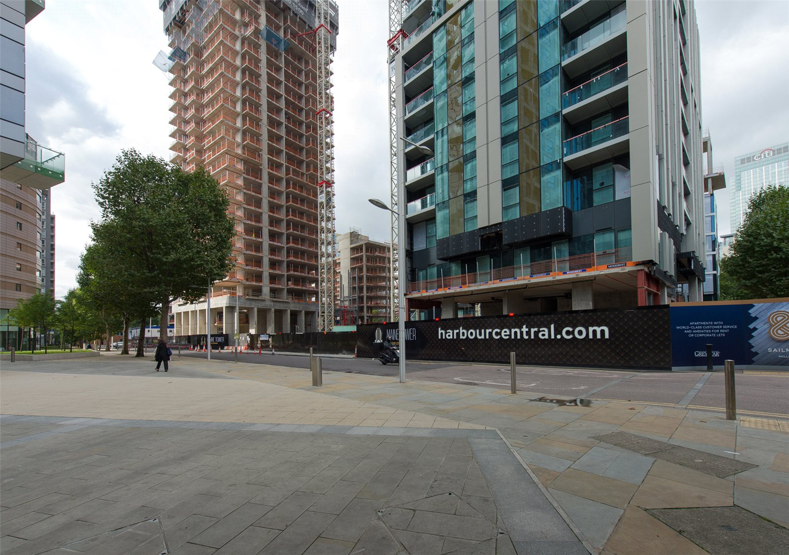 1 Bedroom Flat For Sale In Maine Tower Harbour Central Canary Wharf E14 London
