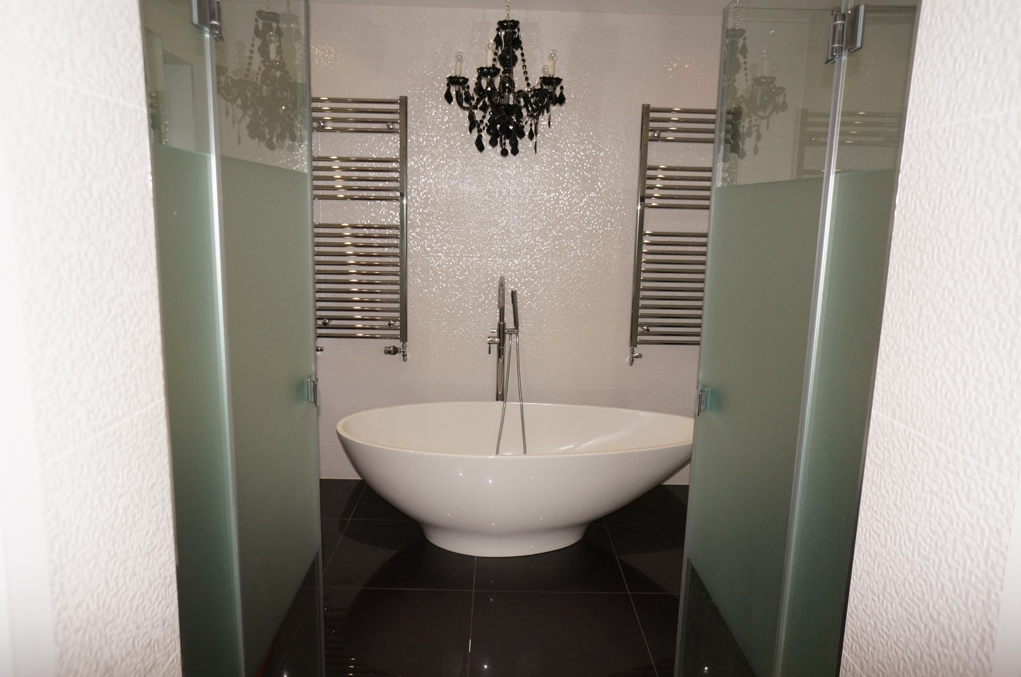 Villeroy and Boch,Amara Property,HansGrohe,Bathroom detail