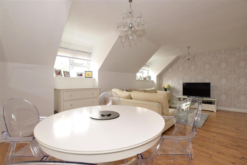 Bed Flat Chigwell