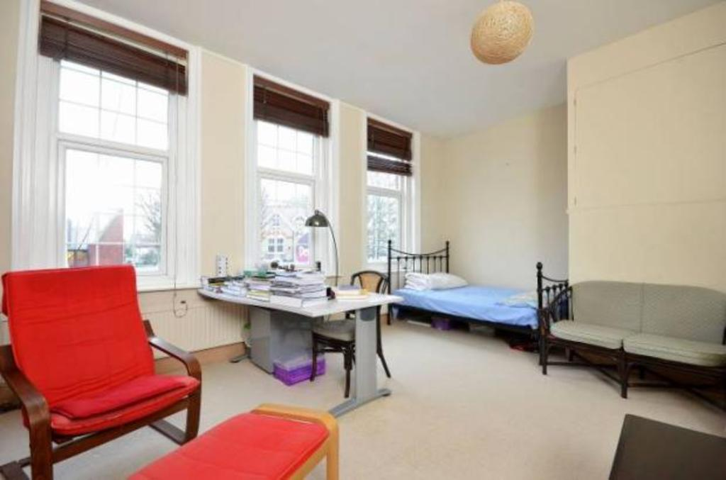 1 bedroom flat for sale in kingston hill kingston upon