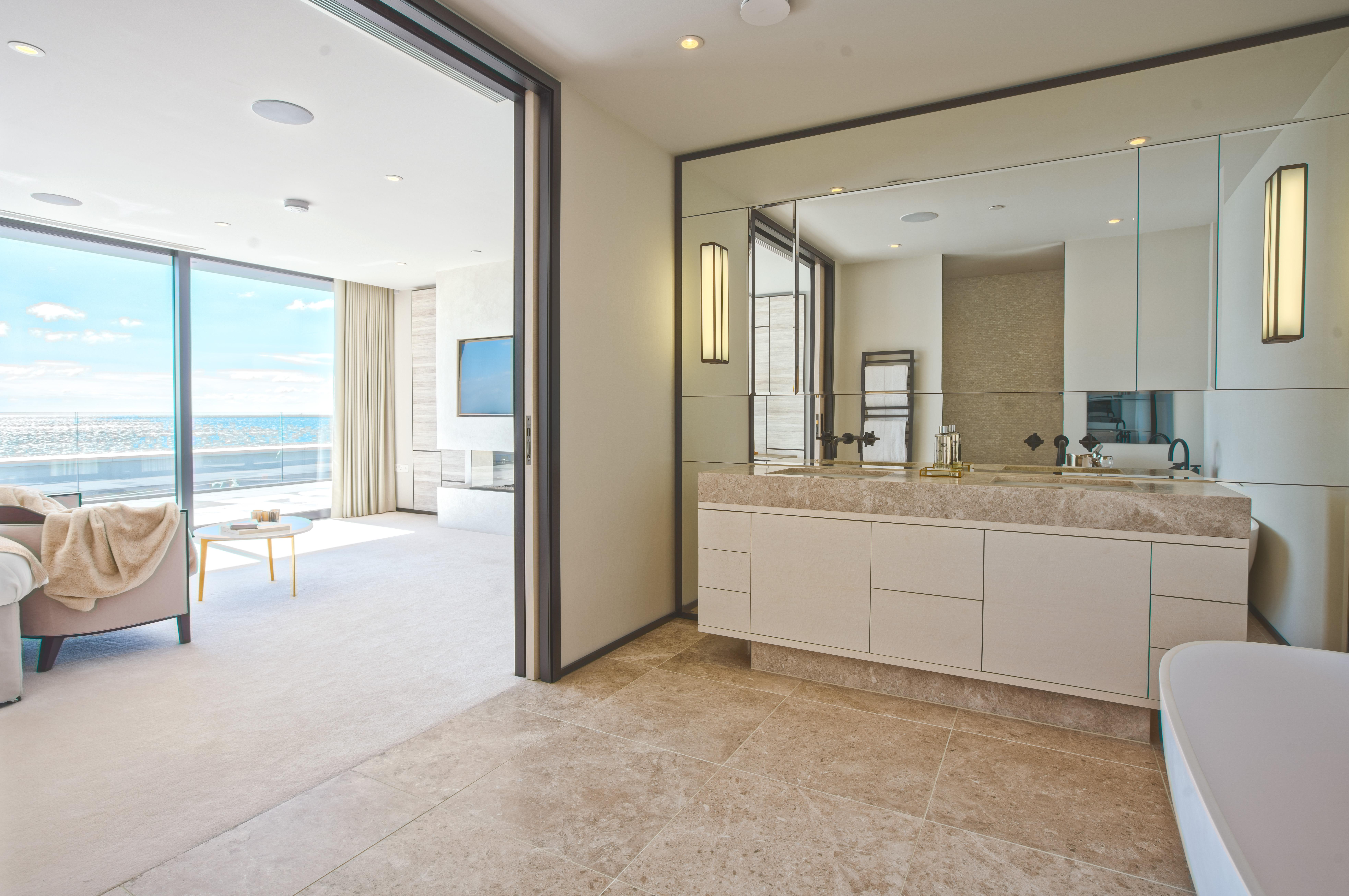 ace sandbanks,En-Suite