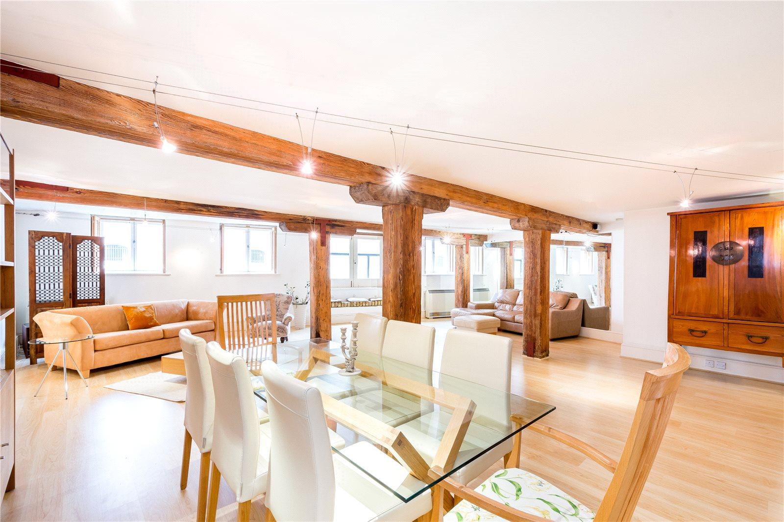 warehouse conversion,Shad Thames,Dining room