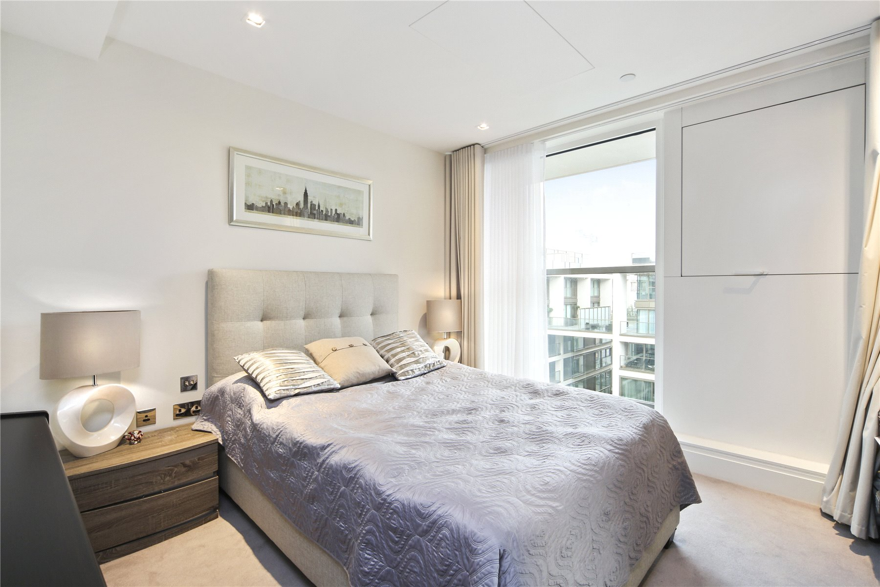3 bedroom new flat for sale in Charles House, 385 ...