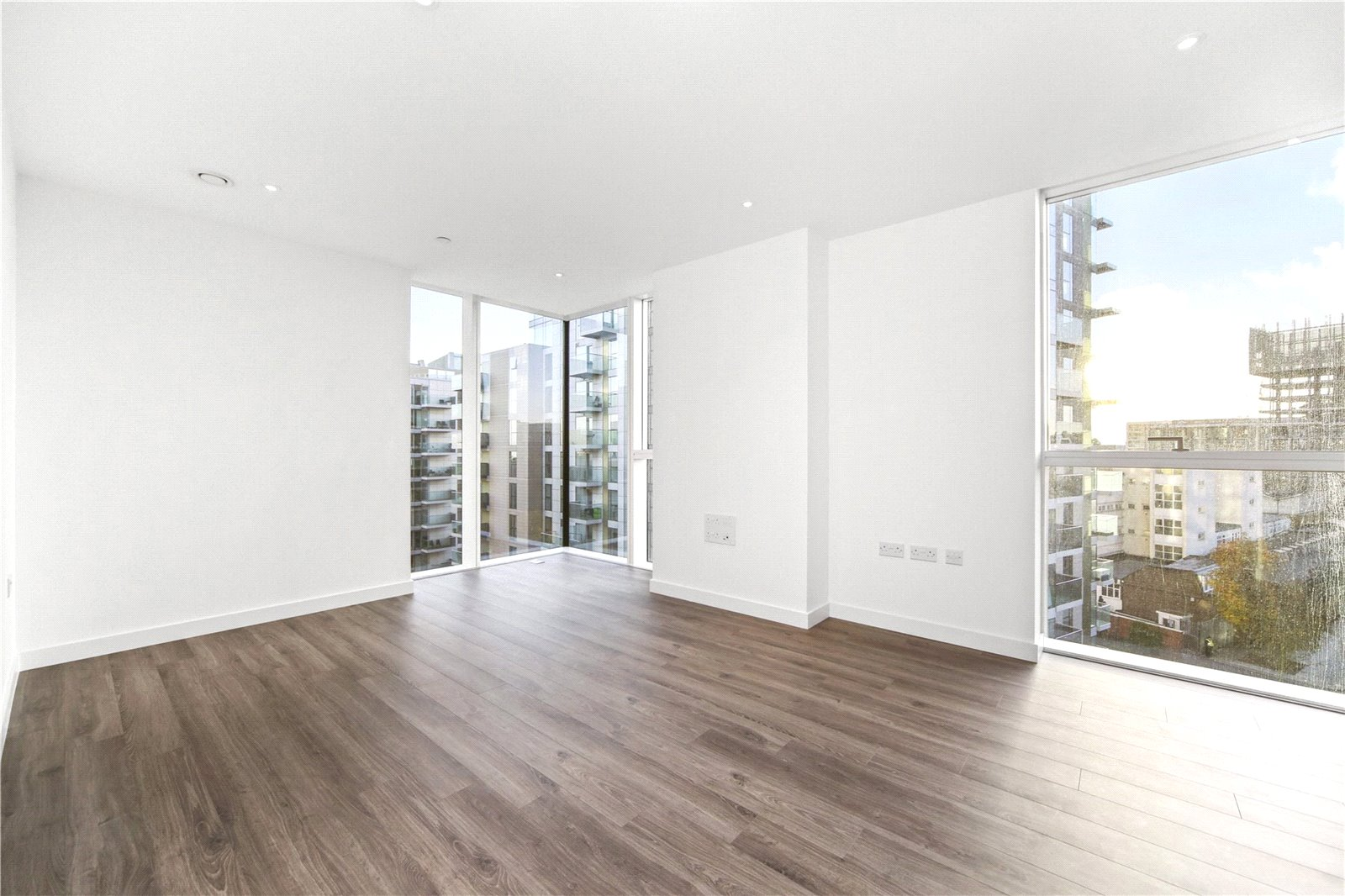 2 Bedroom Flat For Sale In Woodberry Down Finsbury Park N4 London