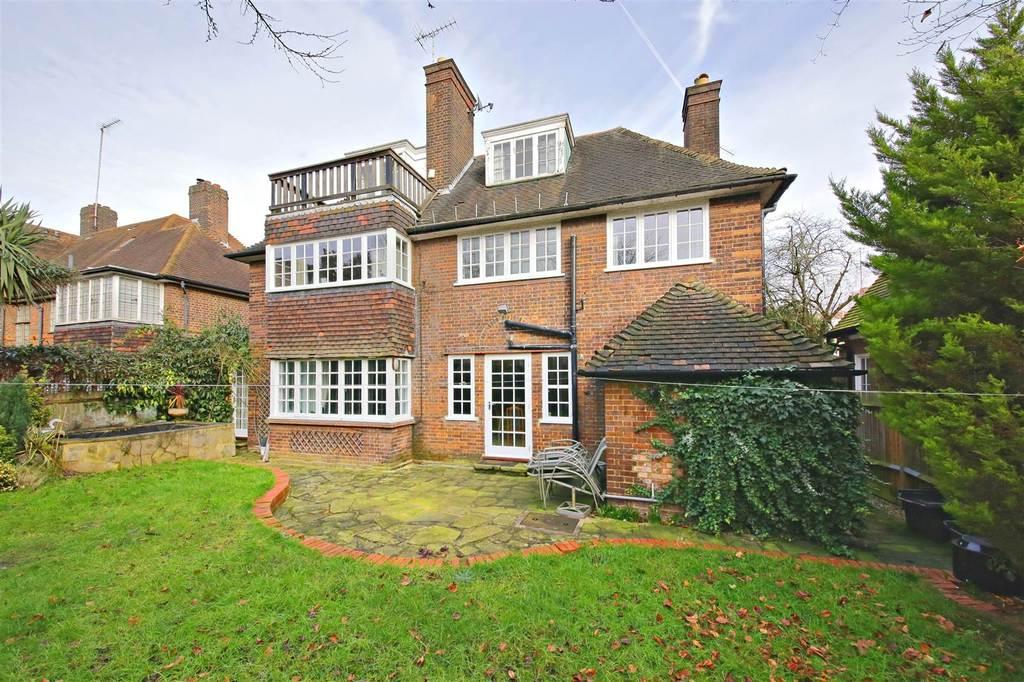5 Bedroom Detached House For Sale In Wildwood Road